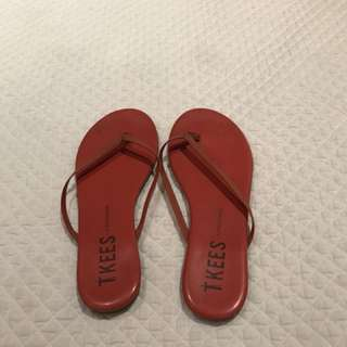 Tkees coral size 8