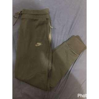 🚚 Nike Teech Fleece縮口棉褲 飛鼠褲 修身版型