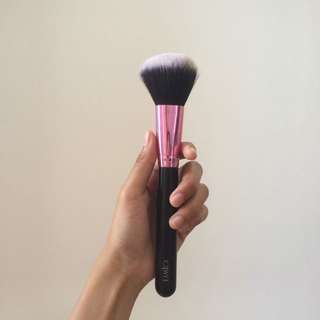 Lamica Powder Brush