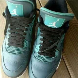🚚 Nike Air Jordan 4 Retro