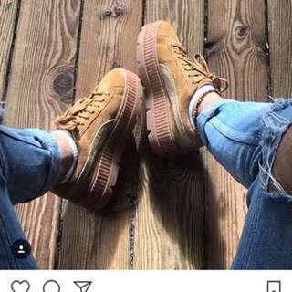 Puma蕾哈娜卡其厚底鞋