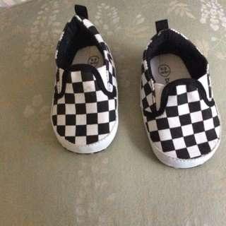 0-3 months race checks shoes