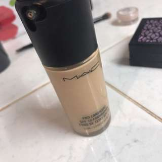 Mac prolong wear foundation NC25