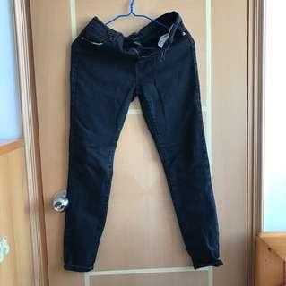 Forever21黑色牛仔褲