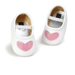 小市民倉庫~時尚粉愛心公主鞋-學步鞋-寶寶鞋-嬰兒鞋-幼兒鞋-鬆緊帶設計-穿拖方便-特價1雙175元-4色可選