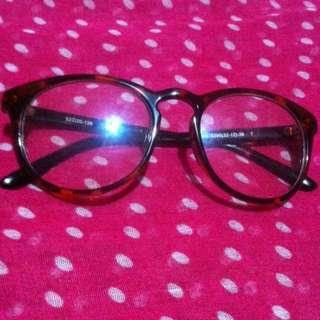 Eyeglass Color Browm