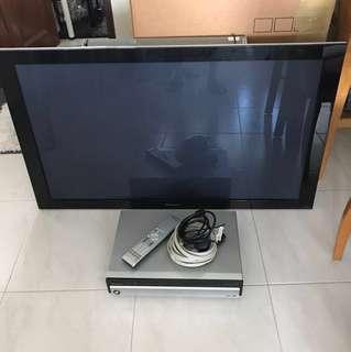 """Pioneer 43"""" Plasma TV c/w Receiver"""