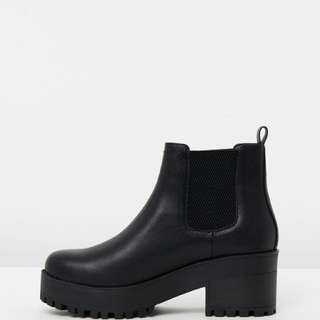 Chunky Eamon Boots