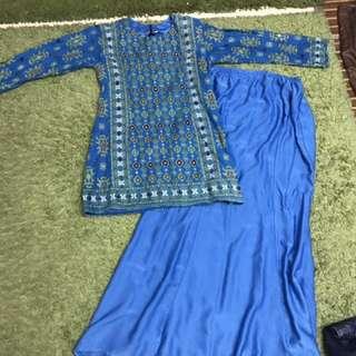 Mini kurung batik Sarawak