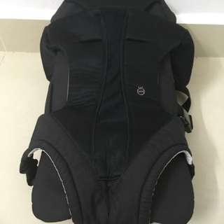 Japan Combi 4way Baby Carrier - Cradling, Face in, out or back up to 15kg