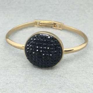 Marc Jacobs Sample Bangle 金色配黑色閃石手鈪 (內部直徑5.7×4.5 cm )