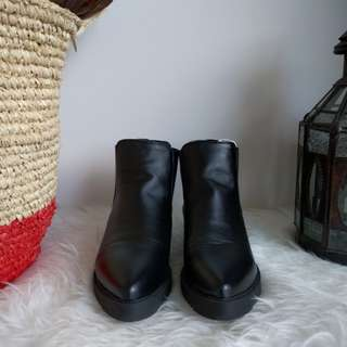 Slip on chelsea boots w pointed toe AU 5
