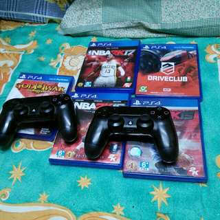 2 ps4 controller and 5 gaming disc