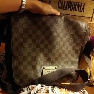 100%real lv messenger bag
