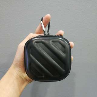 FREE POSTAGE Earpiece pouch/case with karabina