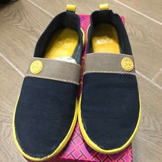(Size 7.5) Tory Burch yellow causal Shoes