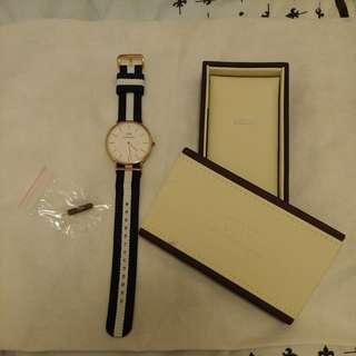 Daniel Welington 藍白帆布手錶