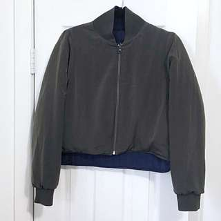 UO crop reversible jacket