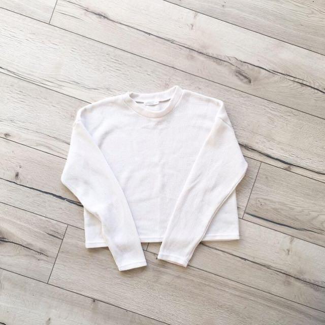 [二手]韓製米白短版針織上衣