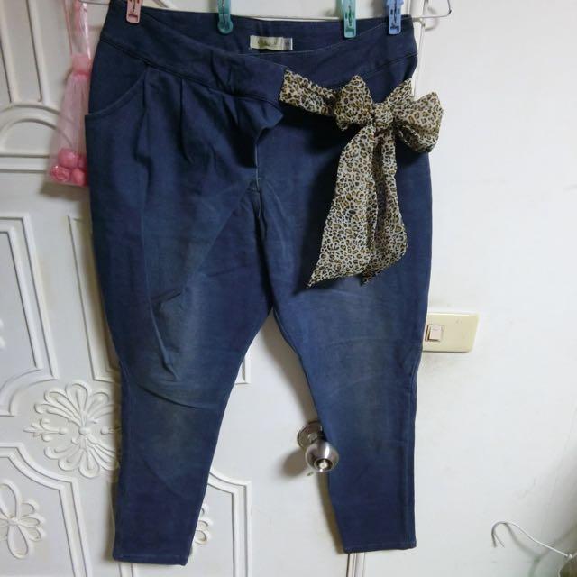 「百元大放送」造型七分褲