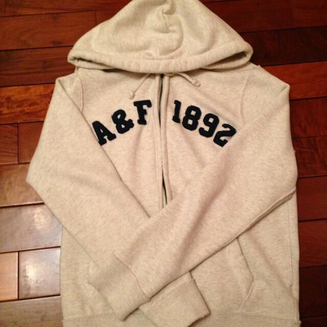 a&f鋪棉經典款外套
