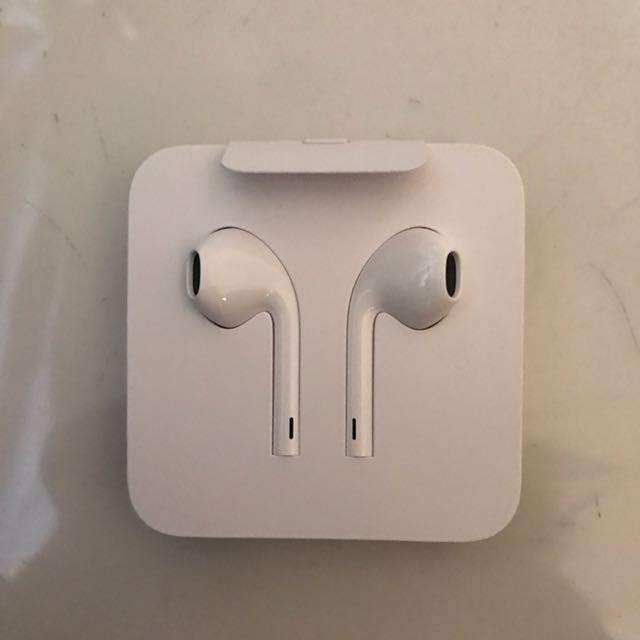 Apple Earpods Earphones Earpiece Headphones Headset Iphone 7 Iphone 8 Iphone X Electronics Audio On Carousell