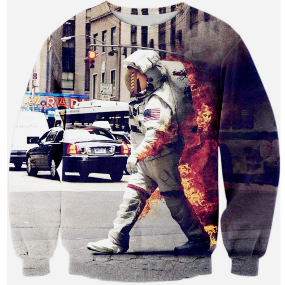 astronaut on fire - HD1500×1500
