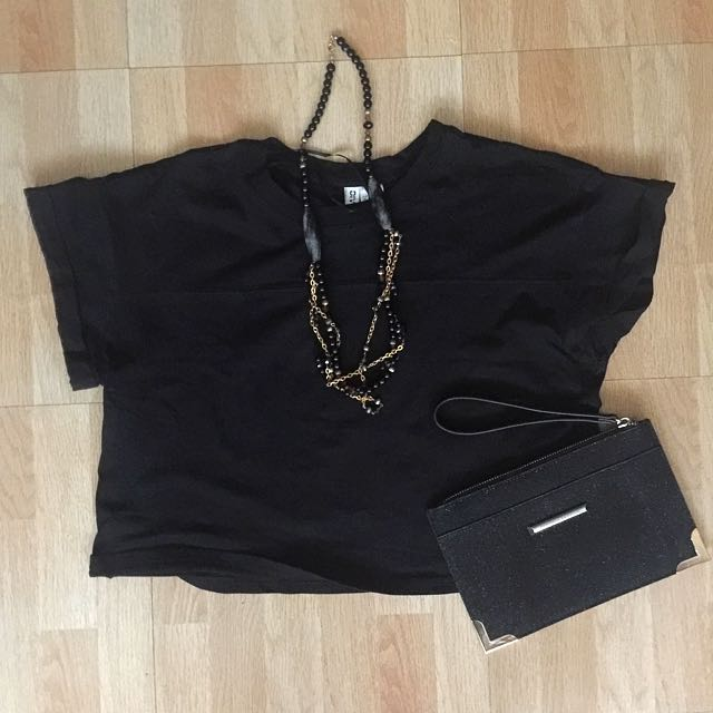 Authentic DIVIDED (by H&M) Cropped Top