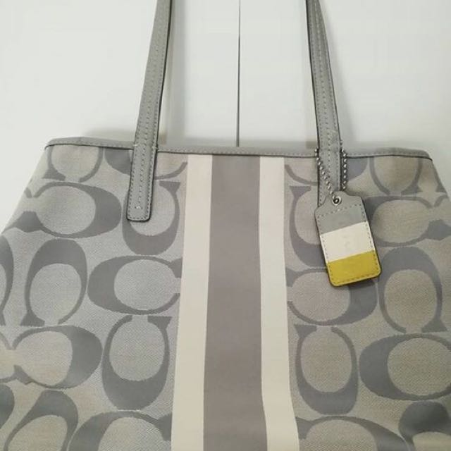 Authentic preloved bags coach mk