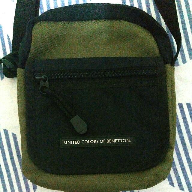 64df98e1d9d AUTHENTIC UNITED COLORS OF BENETTON SHOULDER   SLING BAG