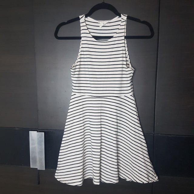 Black and white short dress