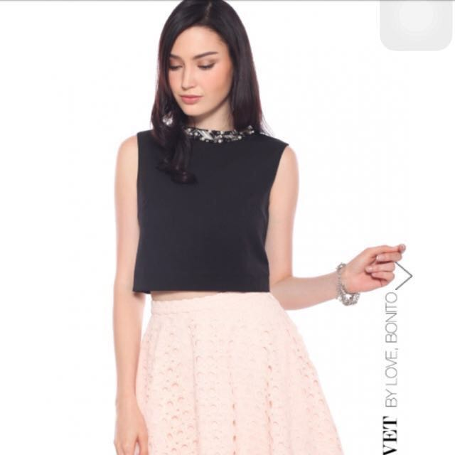 ead6c889c86e7e BNWT Love Bonito Covet Embellished Crop Top, Women's Fashion ...