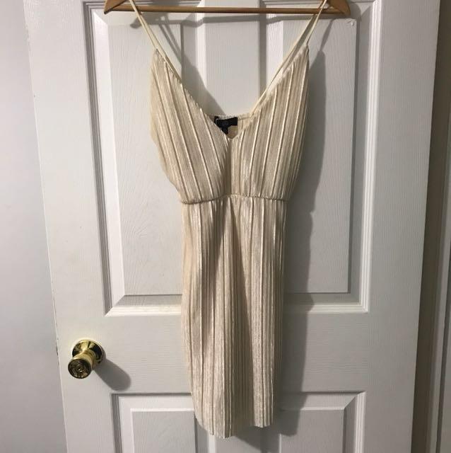 BRAND NEW MISSGUIDED MINI DRESS