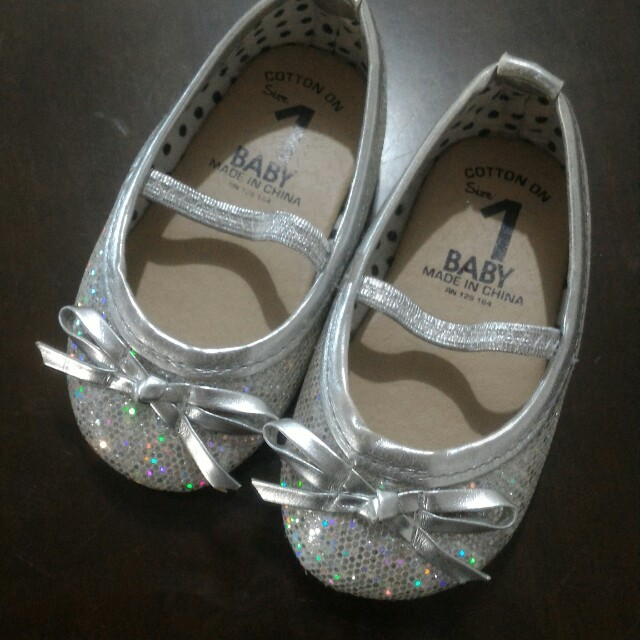 Cotton on glittered shoes for baby girl