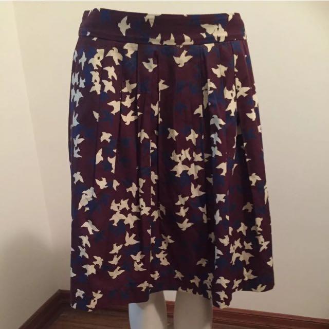Cue Sz 12 bird print skirt as New !!