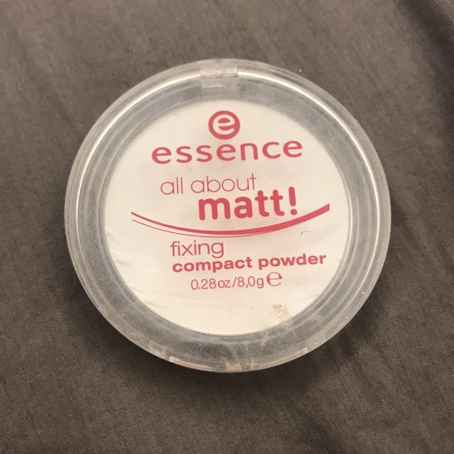 Essence定妝粉