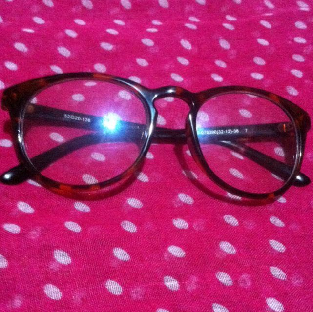Eyeglass Color Browm