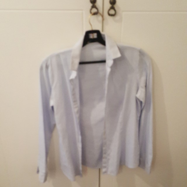 G2000 light blue button up blouse
