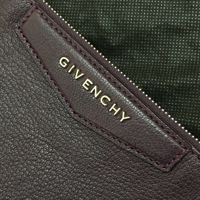 Genuine Givenchy Large Antigona Grained Leather Pouch / Envelope Clutch in purple