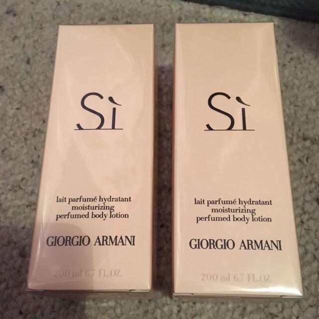 Giorgio Armani Si perfumed body lotion
