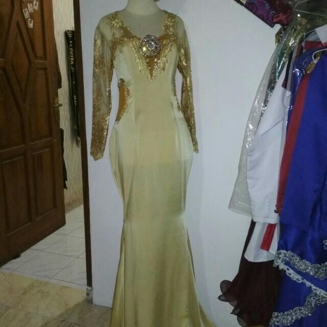 Gold dress sexy