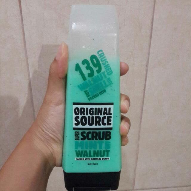 Gratis minimal belanja 50rb Original Source Scrub Mint & Walnut