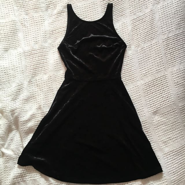 H&M black velvet skater dress