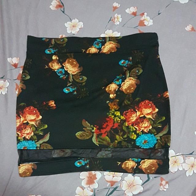 **HOLIDAY ALERT SALE**Single mesh skirt floral