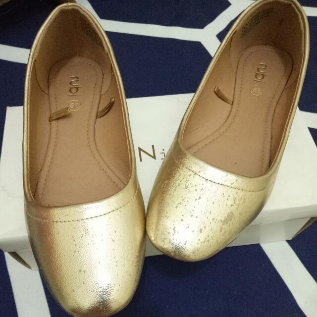Jual flat shoes merk RUBY, warna Gold, size: 39