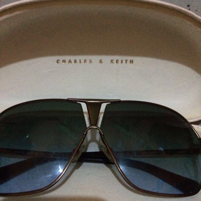 kacamata charles & kith ori