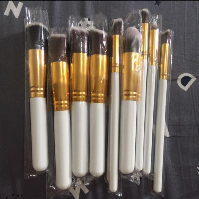 Kahuki brushes (white gold)