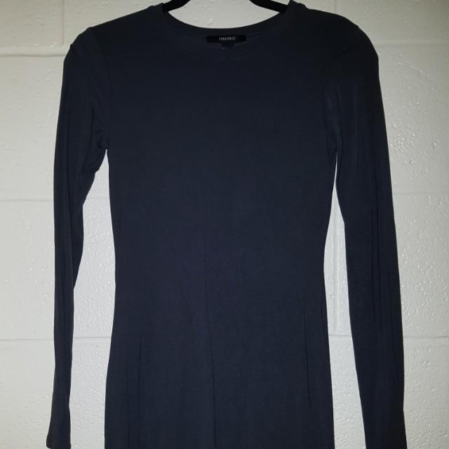 Long sleeve dark grey dress