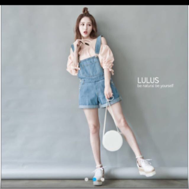 Lulus 淺藍吊帶短褲 全新❤️