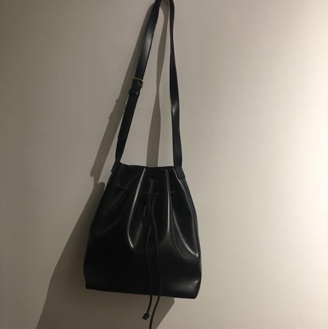 Luluswing bucket bag